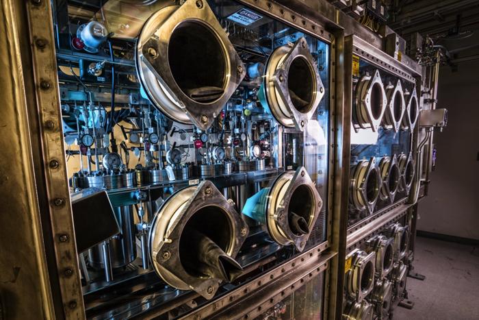 Tritium purification and deuterium-tritium gas mixing system